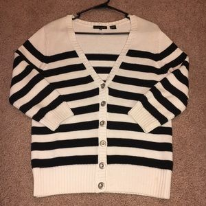 Sweaters - Striped sweater! Super comfortable